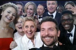 Best-selfie-ever-taken-at-the-2014-Oscars-3201387